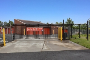 Image of Public Storage - Gainesville - 14425 Lee Highway Facility on 14425 Lee  Highway  in Gainesville, VA - View 4