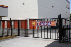 Public Storage - Alexandria - 5610 General Washington Drive - Photo 4