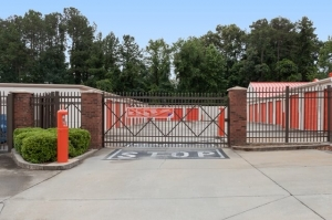 Image of Public Storage - Raleigh - 6220 Creedmoor Road Facility on 6220 Creedmoor Road  in Raleigh, NC - View 4