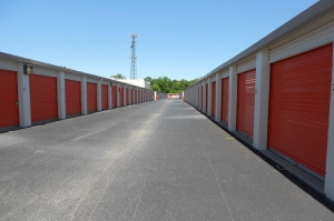 Image of Public Storage - Louisville - 4127 Bardstown Road Facility on 4127 Bardstown Road  in Louisville, KY - View 2