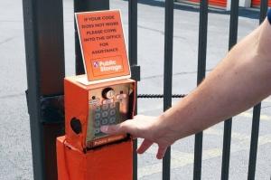 Picture 4 of Public Storage - Cincinnati - 2555 E Kemper Rd - FindStorageFast.com