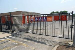 Image of Public Storage - Cincinnati - 2555 E Kemper Rd Facility on 2555 E Kemper Rd  in Cincinnati, OH - View 4