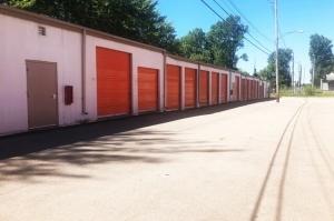 Image of Public Storage - Lansing - 4816 N Grand River Ave Facility on 4816 N Grand River Ave  in Lansing, MI - View 2