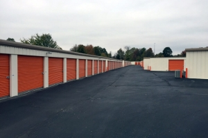 Image of Public Storage - Louisville - 5550 Greenbelt Hwy Facility on 5550 Greenbelt Hwy  in Louisville, KY - View 2