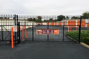 Image of Public Storage - Louisville - 5550 Greenbelt Hwy Facility on 5550 Greenbelt Hwy  in Louisville, KY - View 4