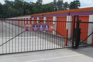 Image of Public Storage - Richmond - 4805 Jefferson Davis Highway Facility on 4805 Jefferson Davis Highway  in Richmond, VA - View 4