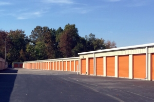 Public Storage - Louisville - 7902 Beulah Church Rd - Photo 2
