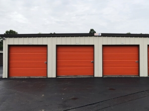 Public Storage - Louisville - 7818 Saint Andrews Church Rd - Photo 2