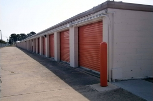 Public Storage - Virginia Beach - 3033 Buckner Blvd - Photo 2