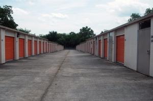 Image of Public Storage - Birmingham - 209 Oxmoor Blvd Facility on 209 Oxmoor Blvd  in Birmingham, AL - View 2