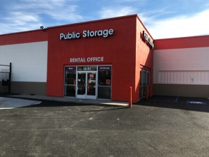 Image of Public Storage - Woodside - 2401 Brooklyn Queens Expy Facility at 2401 Brooklyn Queens Expy  Woodside, NY