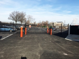 Image of Public Storage - Woodside - 2401 Brooklyn Queens Expy Facility on 2401 Brooklyn Queens Expy  in Woodside, NY - View 4