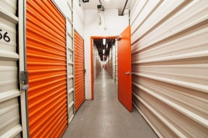 Image of Public Storage - Woodside - 2401 Brooklyn Queens Expy Facility on 2401 Brooklyn Queens Expy  in Woodside, NY - View 2