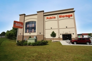 Public Storage - Atlanta - 647 Donald Lee Hollowell Pkwy NW - Photo 1