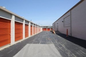 Image of Public Storage - Chicago - 2640 W 79th Street Facility on 2640 W 79th Street  in Chicago, IL - View 2