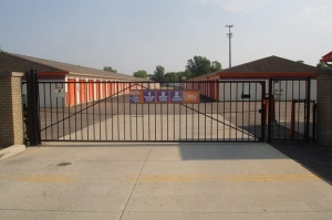 Image of Public Storage - Waterford - 2745 Dixie Hwy Facility on 2745 Dixie Hwy  in Waterford, MI - View 4