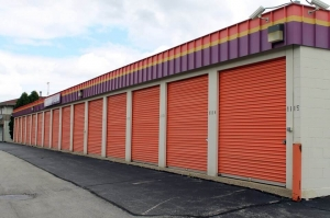 Image of Public Storage - Milwaukee - 5014 S 13th Street Facility on 5014 S 13th Street  in Milwaukee, WI - View 2