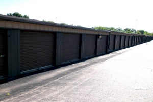 Image of Public Storage - Shawnee - 6855 Hedge Lane Terrace Facility on 6855 Hedge Lane Terrace  in Shawnee, KS - View 2