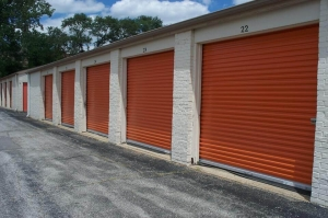 Image of Public Storage - Kansas City - 9820 Holmes Road Facility on 9820 Holmes Road  in Kansas City, MO - View 2
