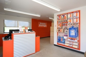 Image of Public Storage - Alsip - 4849 W 115th Street Facility on 4849 W 115th Street  in Alsip, IL - View 3