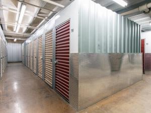 Image of Public Storage - Chicago - 5733 North Broadway St Facility on 5733 North Broadway St  in Chicago, IL - View 2