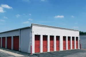 Image of Public Storage - Lakewood - 7701 W 6th Ave Facility on 7701 W 6th Ave  in Lakewood, CO - View 2