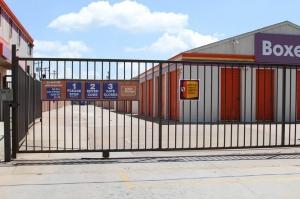 Image of Public Storage - Oklahoma City - 8012 S Santa Fe Facility on 8012 S Santa Fe  in Oklahoma City, OK - View 4
