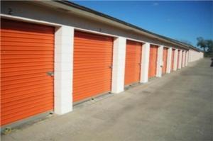 Image of Public Storage - Oklahoma City - 8012 S Santa Fe Facility on 8012 S Santa Fe  in Oklahoma City, OK - View 2