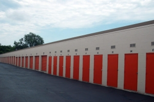 Image of Public Storage - Nashville - 1997 Elm Hill Pike Facility on 1997 Elm Hill Pike  in Nashville, TN - View 2
