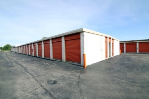 Image of Public Storage - Chicago - 5838 N Pulaski Road Facility on 5838 N Pulaski Road  in Chicago, IL - View 2