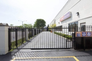 Image of Public Storage - Lincolnwood - 6460 N Lincoln Ave Facility on 6460 N Lincoln Ave  in Lincolnwood, IL - View 4