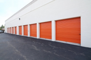 Image of Public Storage - Lincolnwood - 6460 N Lincoln Ave Facility on 6460 N Lincoln Ave  in Lincolnwood, IL - View 2