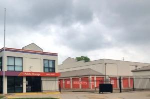Image of Public Storage - Ballwin - 2211 Barrett Station Road Facility on 2211 Barrett Station Road  in Ballwin, MO - View 4