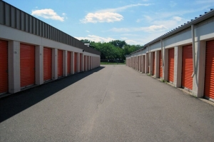 Image of Public Storage - Plymouth - 1015 Highway 169 N Facility on 1015 Highway 169 N  in Plymouth, MN - View 2