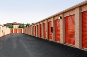 Image of Public Storage - Tinley Park - 8201 159th Street Facility on 8201 159th Street  in Tinley Park, IL - View 2