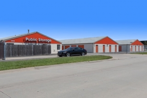 Image of Public Storage - Topeka - 1850 SW 41st Street Facility on 1850 SW 41st Street  in Topeka, KS - View 2