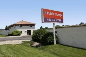 Image of Public Storage - Aurora - 945 N Farnsworth Ave Facility at 945 N Farnsworth Ave  Aurora, IL