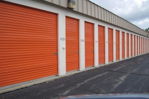 Image of Public Storage - Milwaukee - 6049 N 77th Street Facility on 6049 N 77th Street  in Milwaukee, WI - View 2