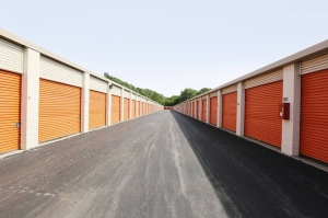 Image of Public Storage - Chicago - 939 E 95th Street Facility on 939 E 95th Street  in Chicago, IL - View 2