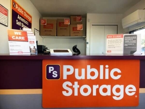 Image of Public Storage - Englewood - 4550 S Federal Blvd Facility on 4550 S Federal Blvd  in Englewood, CO - View 3