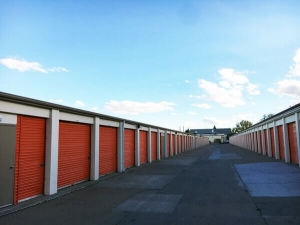 Image of Public Storage - Englewood - 4550 S Federal Blvd Facility on 4550 S Federal Blvd  in Englewood, CO - View 2