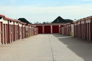 Image of Public Storage - Oklahoma City - 9720 SW 15th St Facility on 9720 SW 15th St  in Oklahoma City, OK - View 2