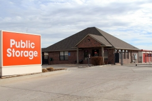 Image of Public Storage - Oklahoma City - 9720 SW 15th St Facility at 9720 SW 15th St  Oklahoma City, OK