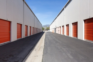 Public Storage - Pasadena - 888 S Fair Oaks Ave - Photo 2