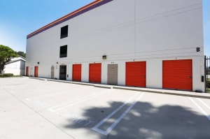 Image of Public Storage - Los Angeles - 4101 North Figueroa Street Facility on 4101 North Figueroa Street  in Los Angeles, CA - View 2
