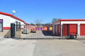 Image of Public Storage - Lawton - 2701 NW 38th St Facility on 2701 NW 38th St  in Lawton, OK - View 4