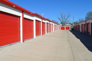 Image of Public Storage - Lawton - 2701 NW 38th St Facility on 2701 NW 38th St  in Lawton, OK - View 2