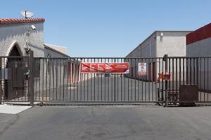 Public Storage - Phoenix - 2421 N Black Canyon Hwy - Photo 4