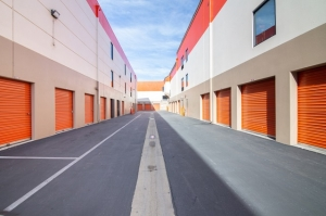 Image of Public Storage - Venice - 315 S 4th Ave Facility on 315 S 4th Ave  in Venice, CA - View 2