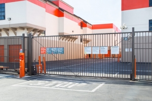 Image of Public Storage - Venice - 315 S 4th Ave Facility on 315 S 4th Ave  in Venice, CA - View 4